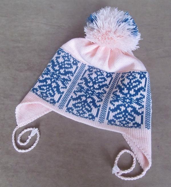 шапочка с ушками на вязальной машине. однофонтурное вязание