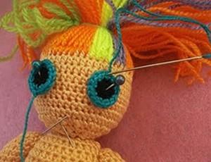 делаем глазки кукле Йока