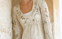 Туника сочетание белого ажура спицами и вышивки