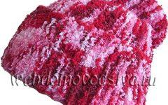 Шапочка на осень поперечным вязанием типа бини