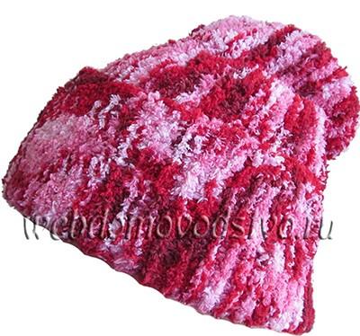 шапочка бини спицами из буклированной пряжи