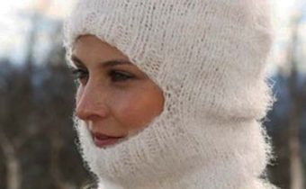 Cвязать шапку спицами для женщины - новые модели из журналов