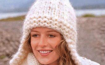 Как связать женскую шапку спицами с описанием