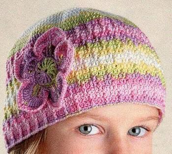 шапочка крючком для девочки на лето