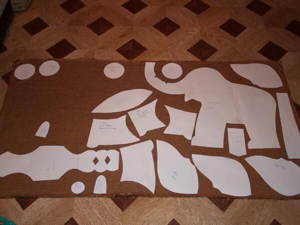 раскладка лекал слоника на ткани