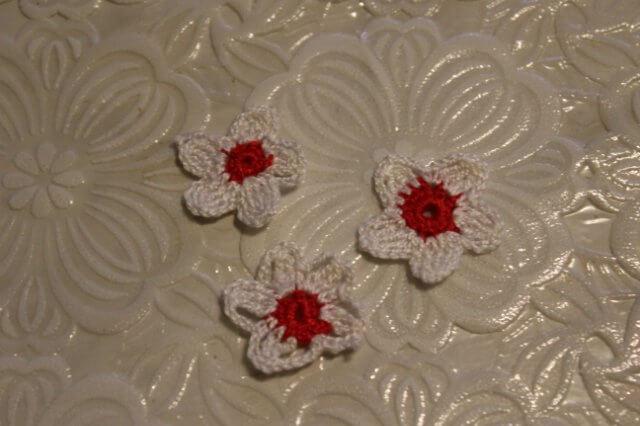 маленькие цветочки для второй стороны сумочки