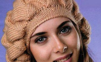 Шапка спицами из толстой пряжи для женщин: шапка-берет на осень
