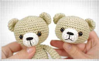 Вяжем крючком игрушки амигуруми: вышиваем носик на мордочке