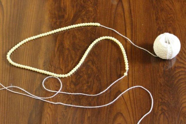нанизываем бисер на вязальную нитку