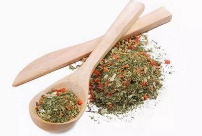 смесь трав и овощей - сухая приправа в в суп