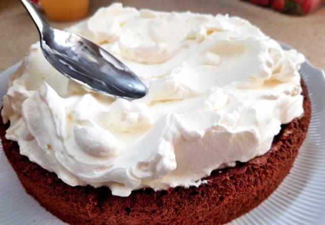 крем для торта из сгущенки и масла