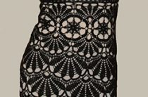 Платье крючком узором веера расходящихся от цветка