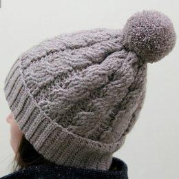Cвязать шапку крючком для девочки совсем не сложно