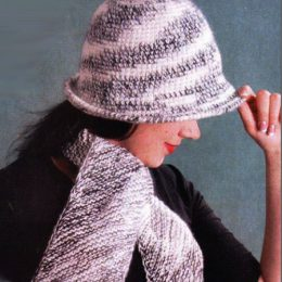 Комплект из шляпки крючком и шарфика спицами